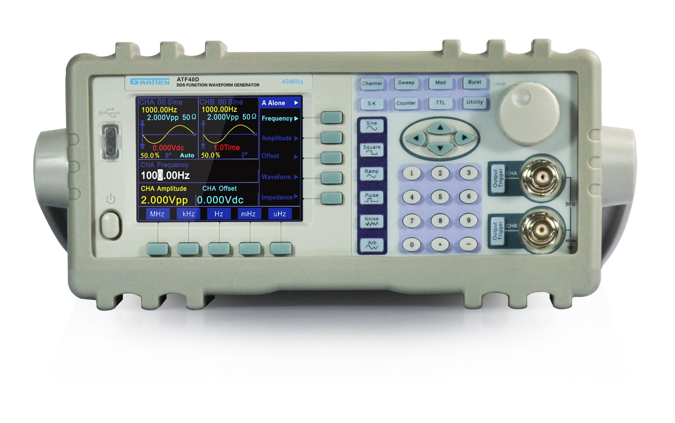 采用先进的DDS技术,双路独立输出 3.5寸TFT显示屏 可输出32种标准或内部存储的固定波形 最小输出可到lmV (50)的稳定波形 具有AM (D系列)、FM、FSK、ASK、PSK多种调制功能 具有扫频、扫幅、猝发、AB相加功能 (D系列) 具有过压、迫流、输出短路、反灌电压保护电路功能 选配:RS232接口、USB接口 (D系列)、频率计、功率版大器